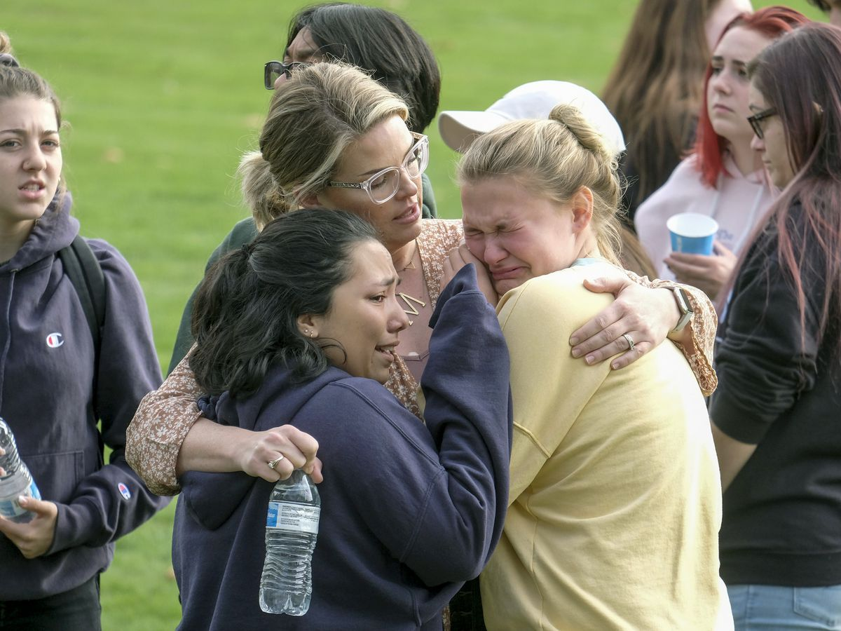 Student opens fire in California high school, killing 2