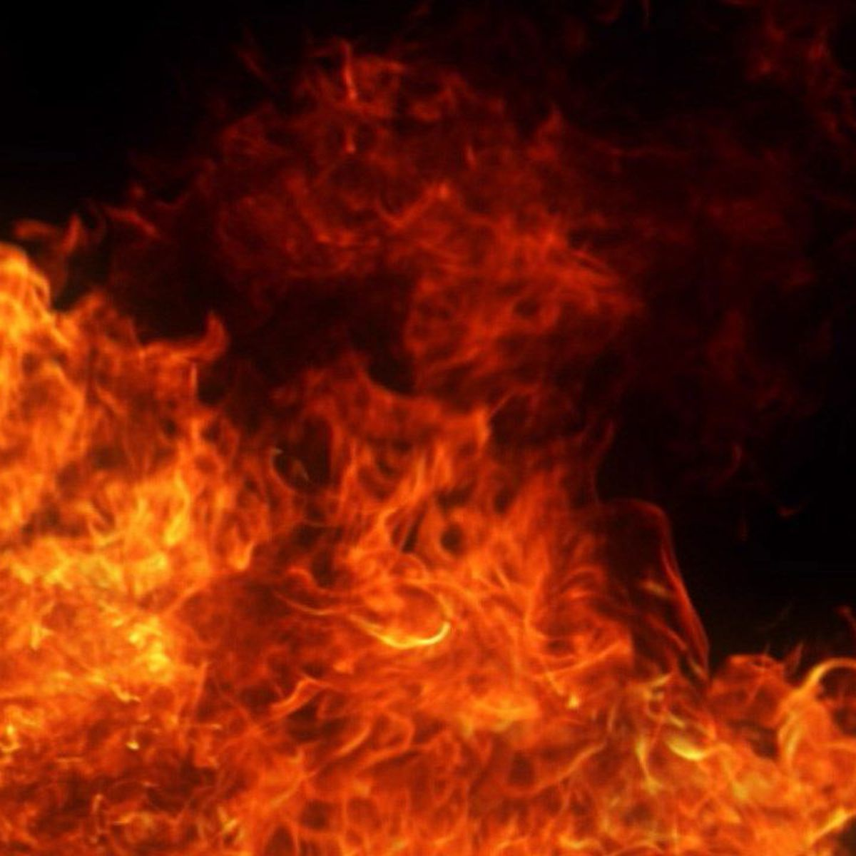 Child injured in early morning apartment fire