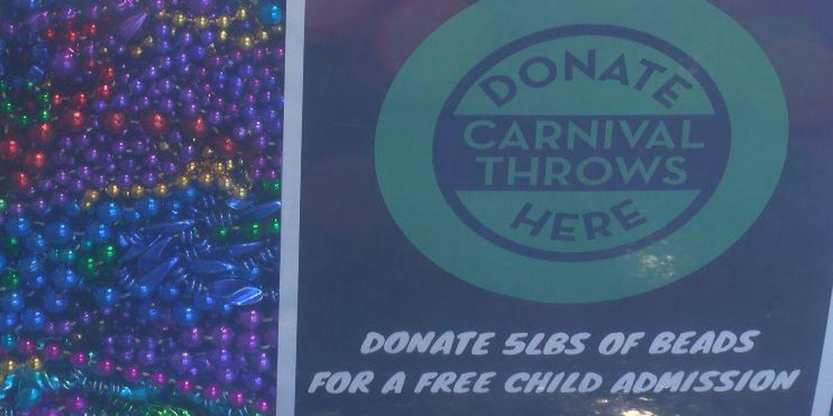Shreveport Aquarium is looking for Mardi Gras beads