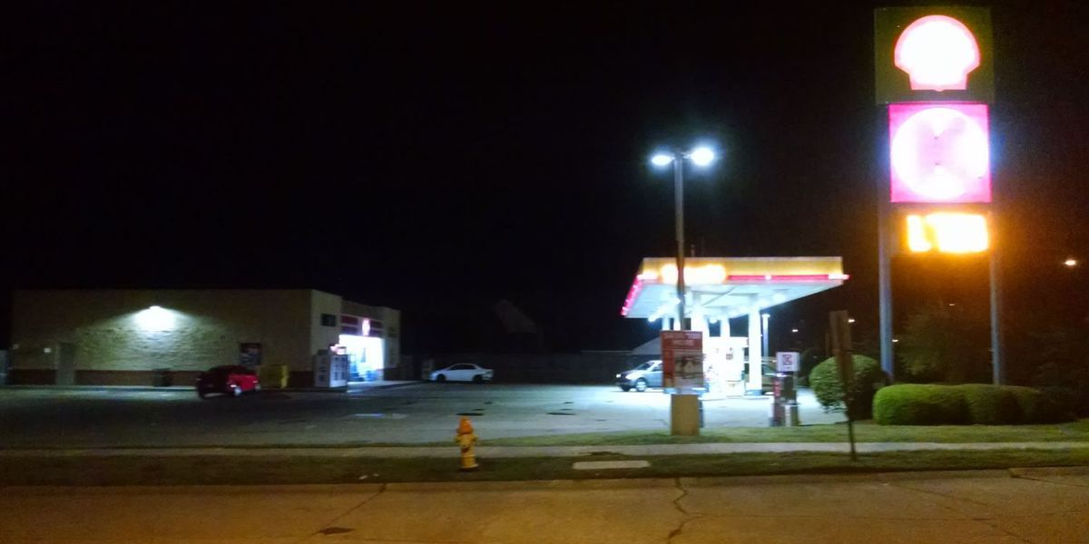 Robbers target 2 Circle K gas stations overnight