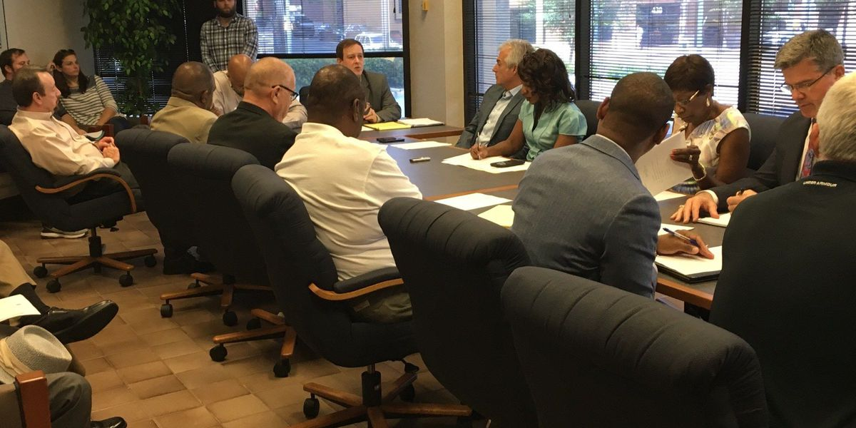 City leaders hold first discussion on petition making Shreveport bars 18+