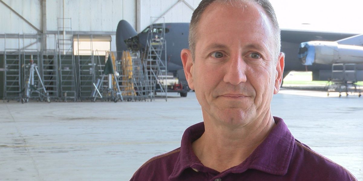 KSLA Salutes the 'Pipes' of the 307th Bomb Wing