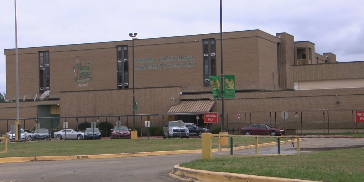 Some ex-Green Oaks High students upset over post