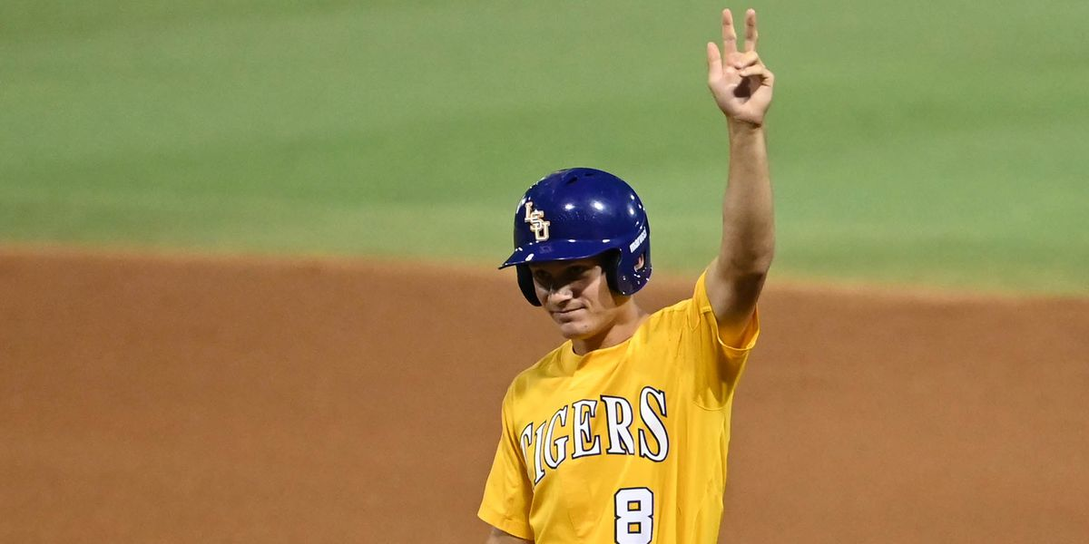 LSU wins Baton Rouge Regional on historic night for Duplantis