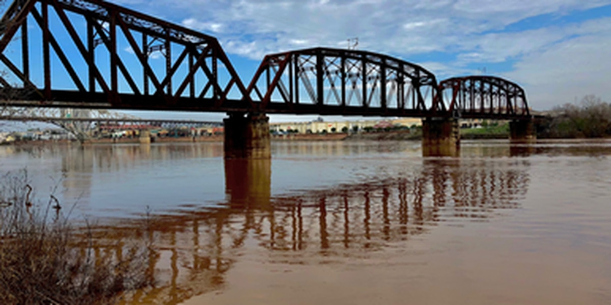 Shreveport-Bossier prepares for possible flooding by Red River