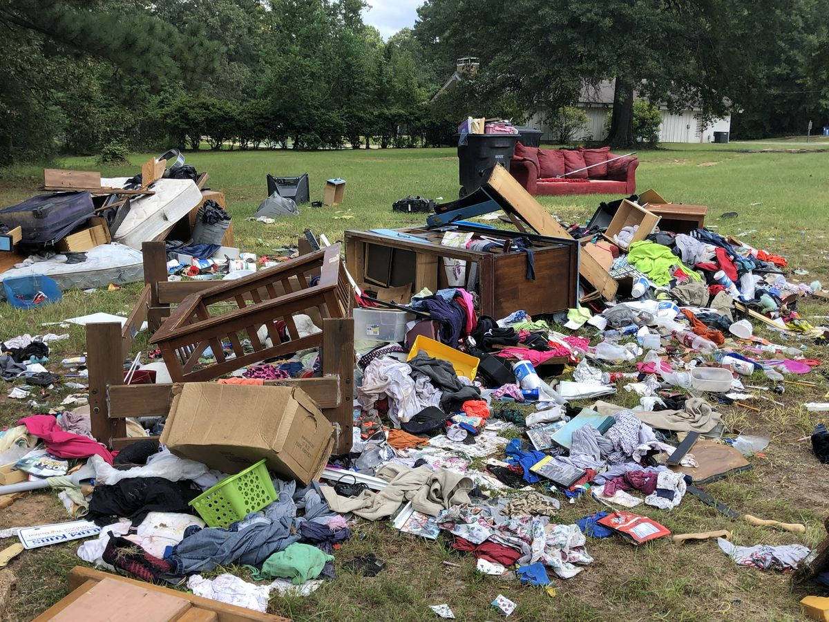 Trash dump draws complaints from residents