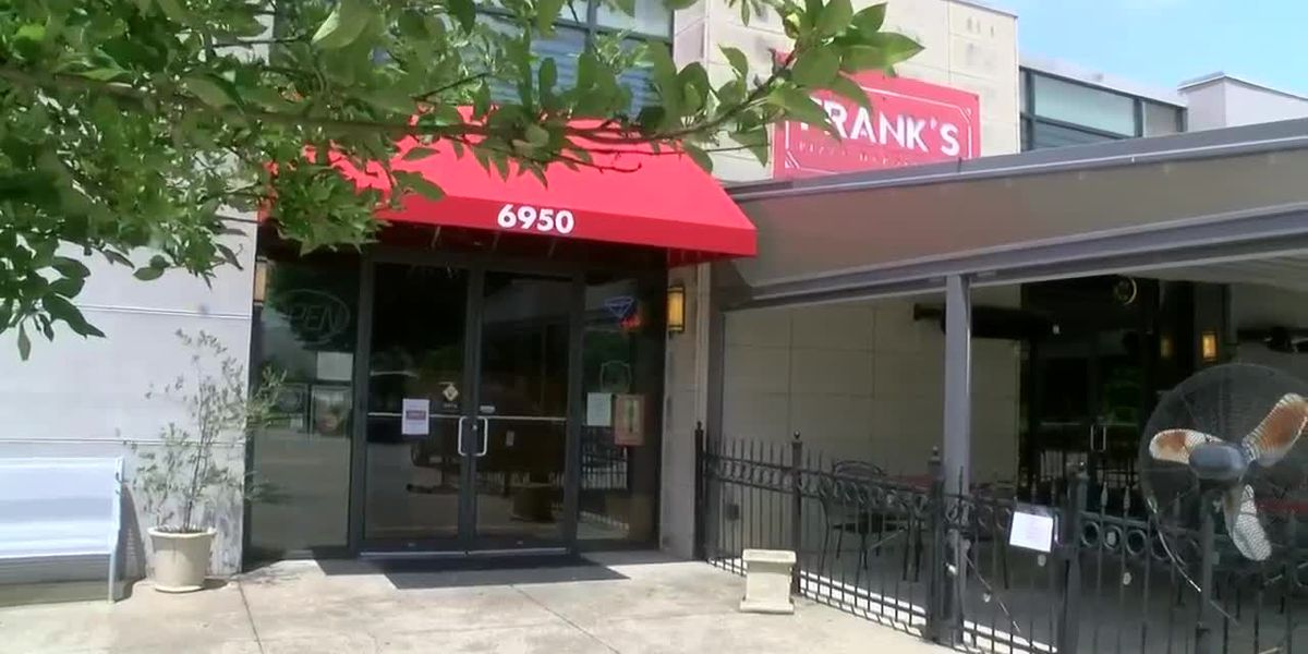Should a restaurant close if a worker tests positive for COVID-19?