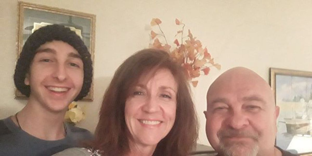 Parents, 17-year-old son fight 3 different types of cancer at same time