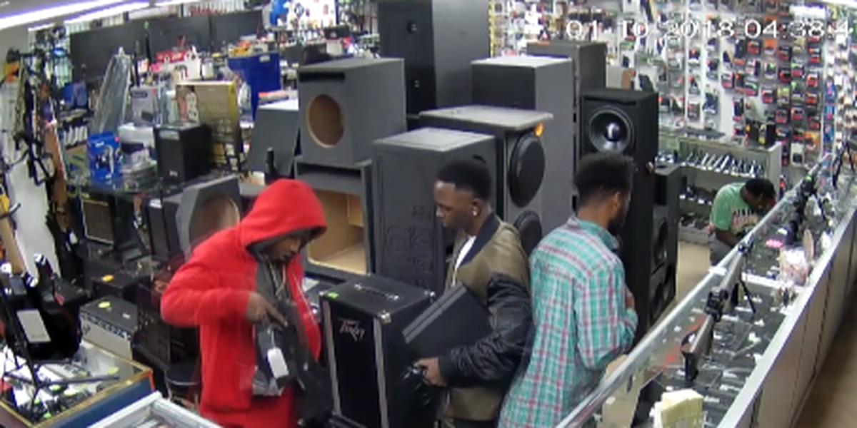 Surveillance video shows brazen pawn shop theft