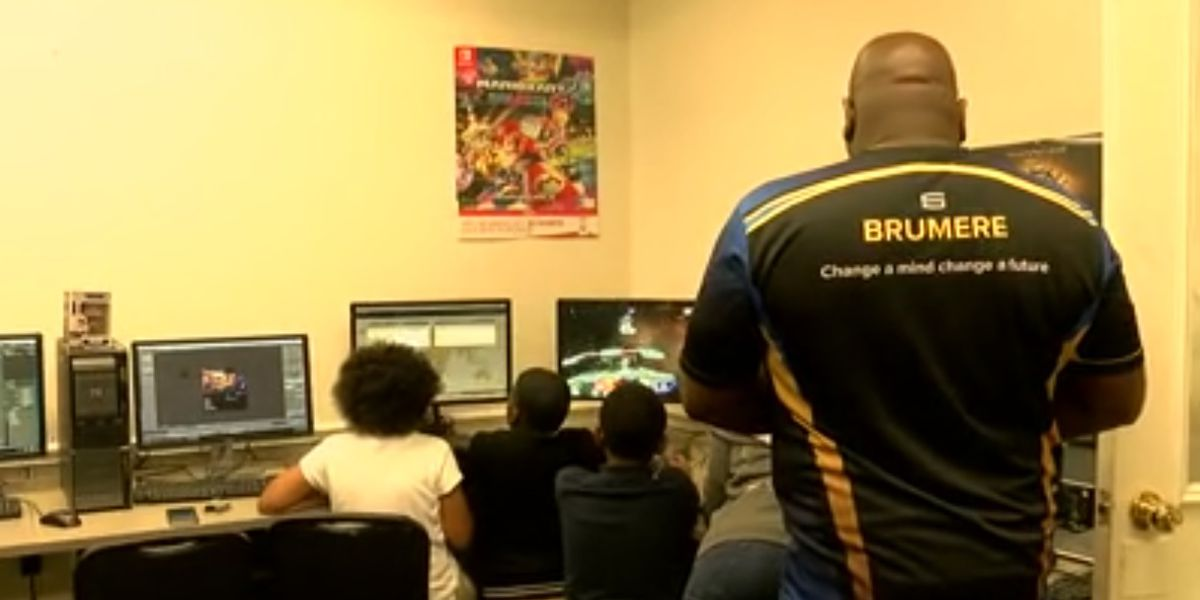 E-sports earning skilled young video gamers money for school