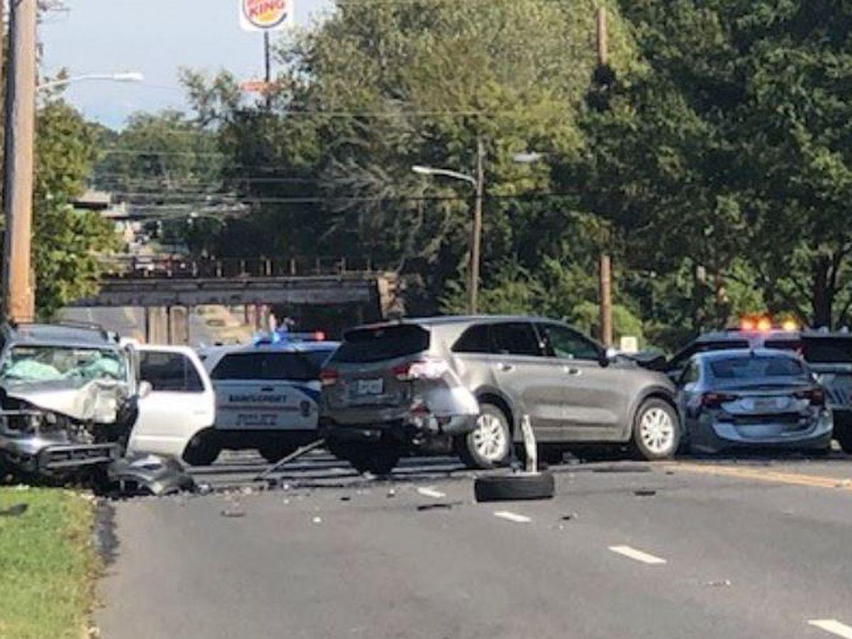 7-vehicle wreck closes part of major Shreveport highway