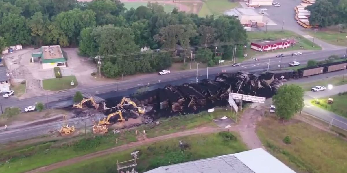 KCS releases statement, boil advisory issued in Vivian after train derails