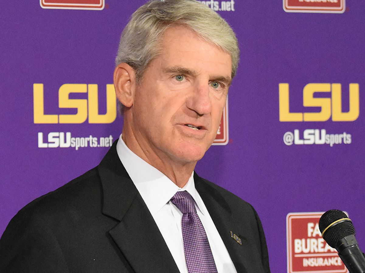 Alleva steps down as athletic director; will transition into new role at LSU