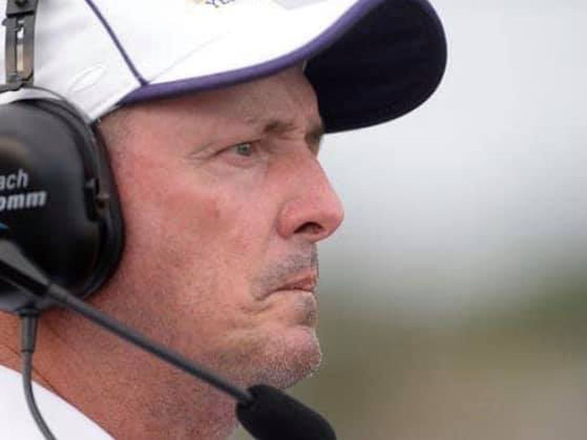 Byrd High football coach announces retirement after 23-year career