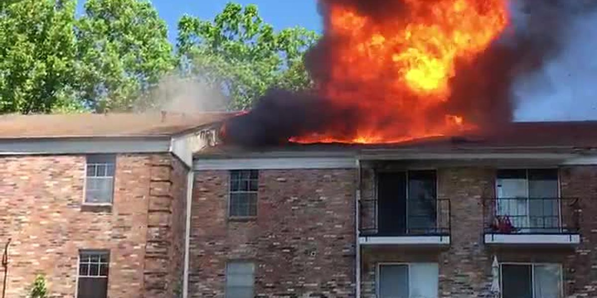 VIEWER VIDEO: 2-alarm fire at Fairfield Oaks condo complex in Shreveport