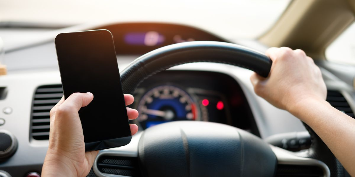 Bill to ban cell phone use while driving advances