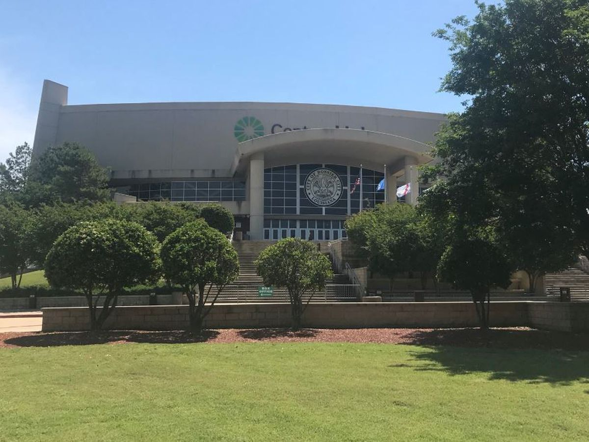 CenturyLink Center to hold job fair