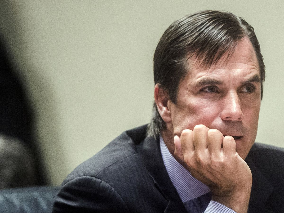 Ex-Michigan health chief charged with manslaughter in Flint