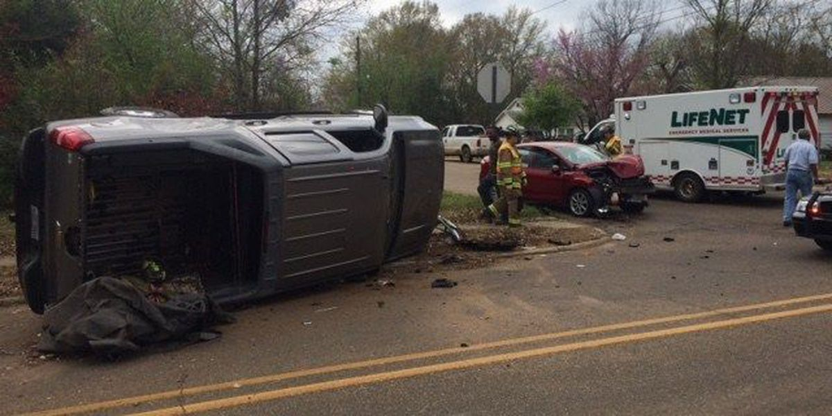 Police investigating two car accident in Texarkana