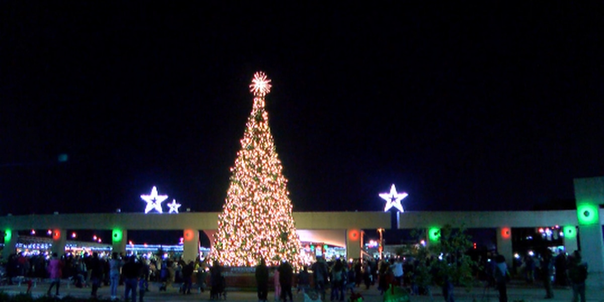 Shreveport Rings In Holiday Season With Tree Lighting Ceremony