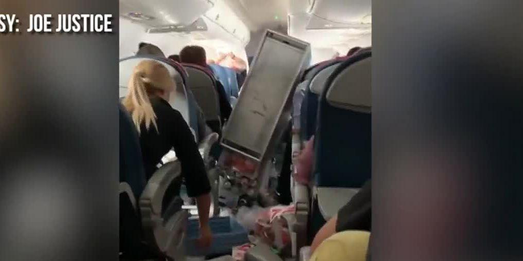 Five hurt in severe turbulence aboard flight to Seattle