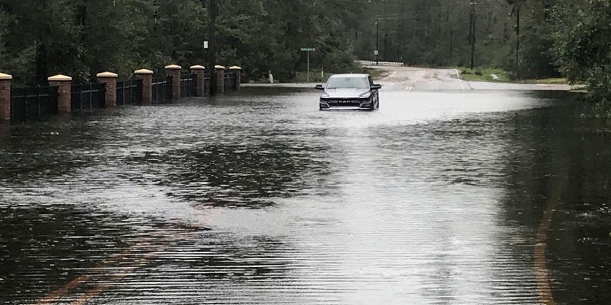 Florence leaves dangerous flooding, 32 dead in Carolinas