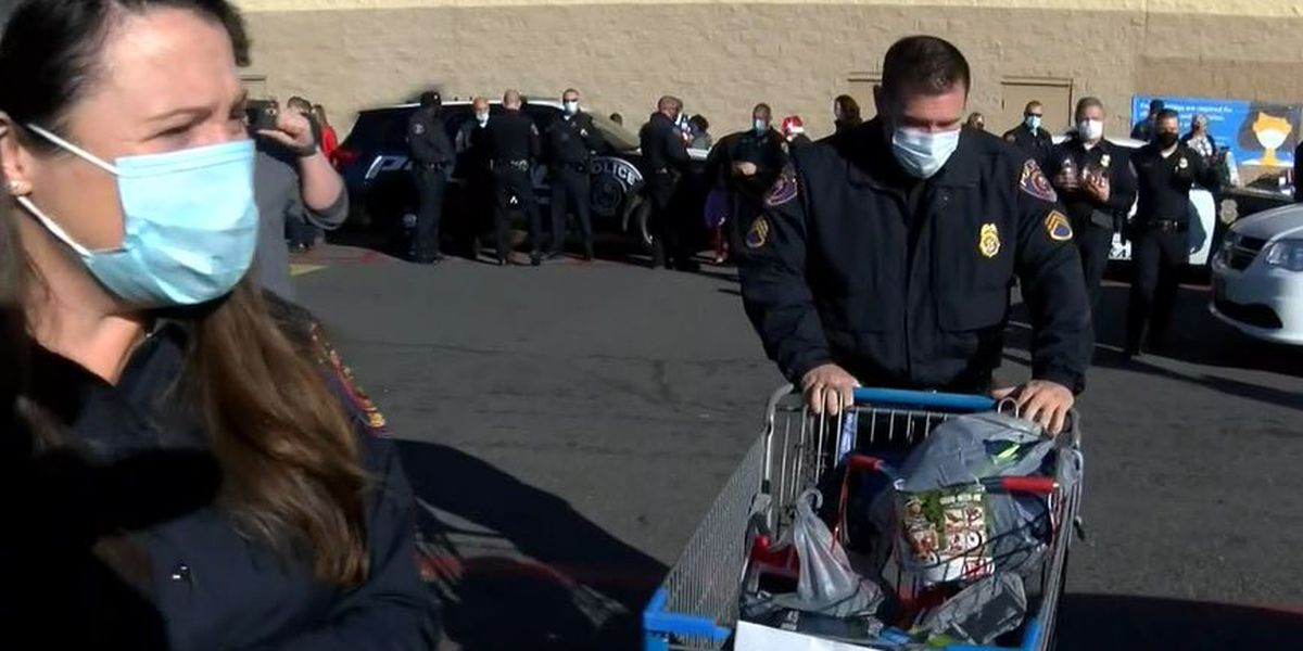 Texarkana police host Shop with a Cop