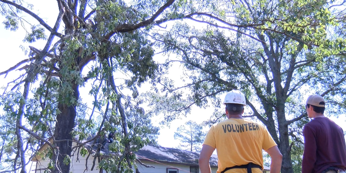 Volunteers of Shreveport assist Red River Parish residents with storm cleanup