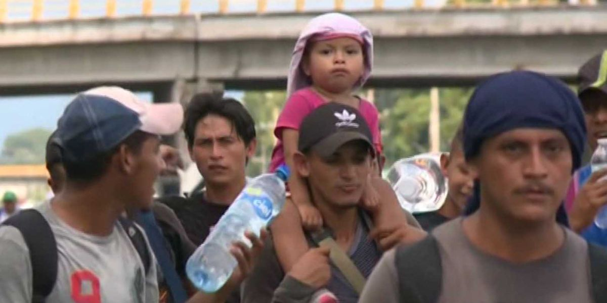 Migrant caravan continues march toward US border