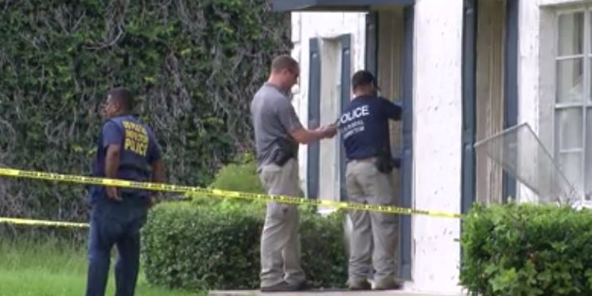 Authorities arrest girlfriend of man accused of killing mail carrier