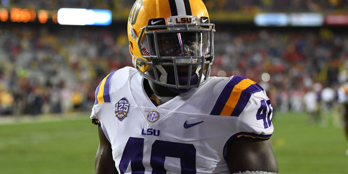 LSU LB Devin White rides through Tiger Stadium... on a horse