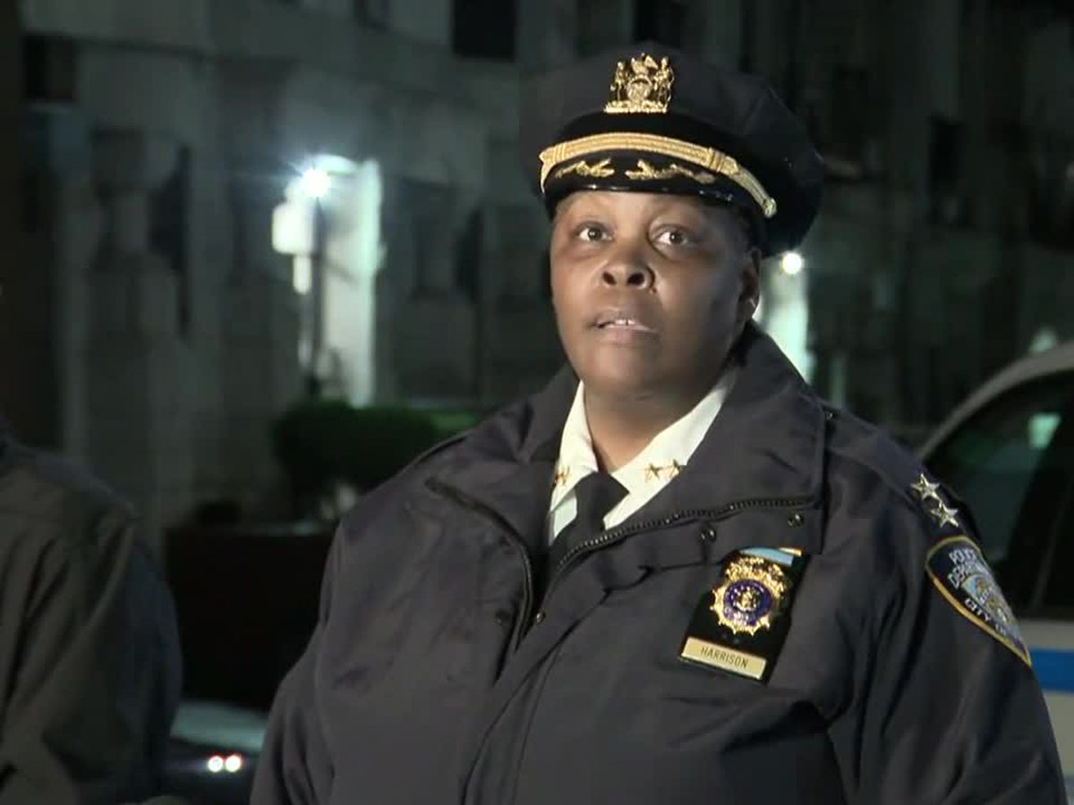 Police: 1 killed, 6 hurt in shooting at Brooklyn apartments