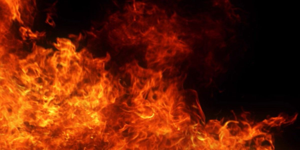 Child burned in early morning apartment fire
