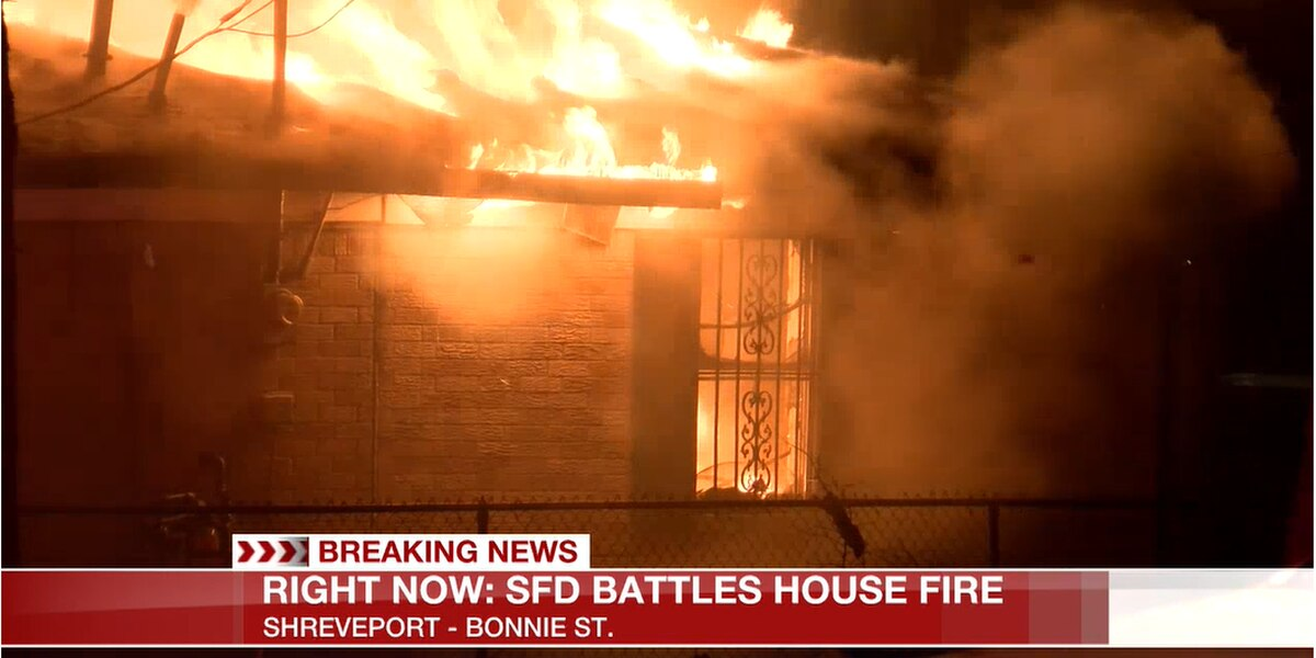 Firefighter injured battling house fire