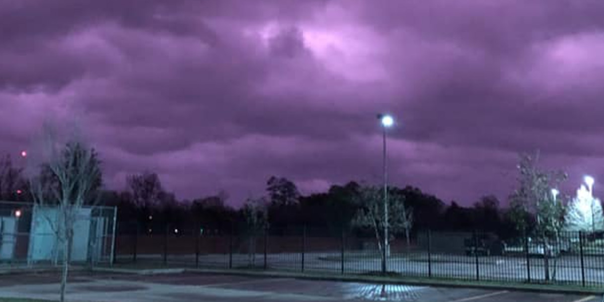 Is the sky glowing purple a sign that LSU is fated to win championship game? Some think so