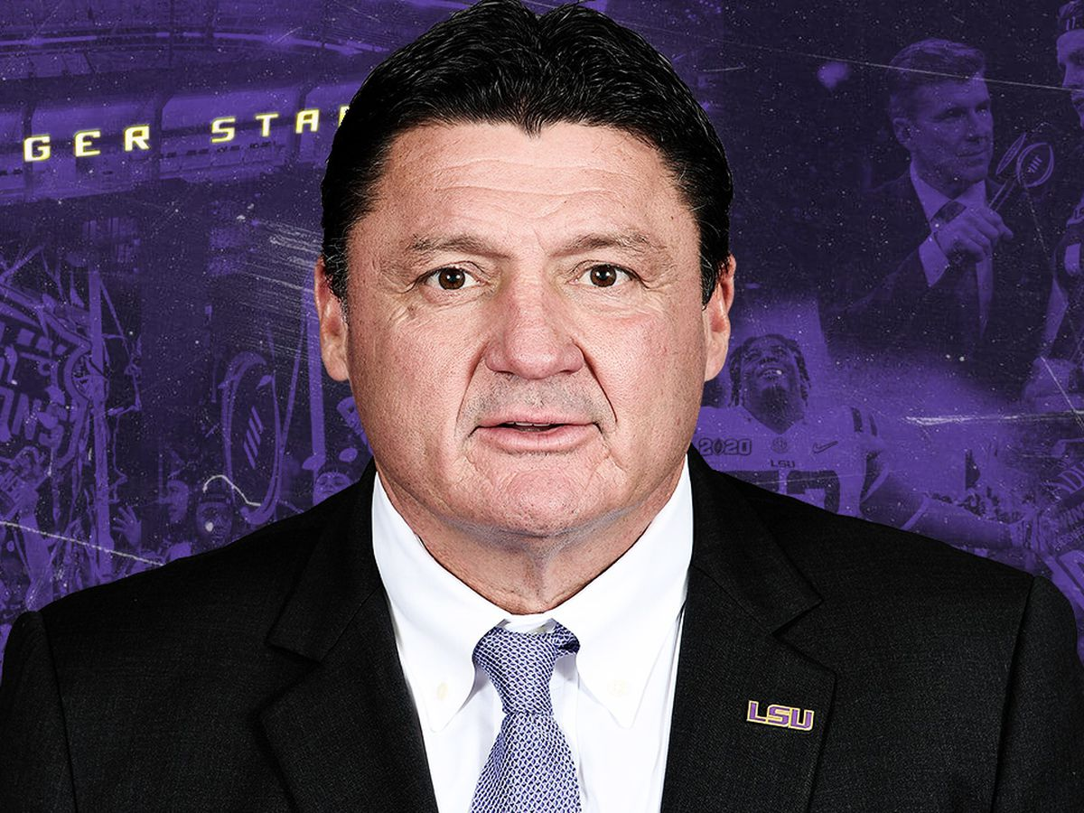 Coach O agrees to 6-year, $42 million contract extension