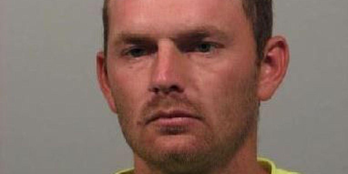 DeSoto Parish searching for felon who had firearm