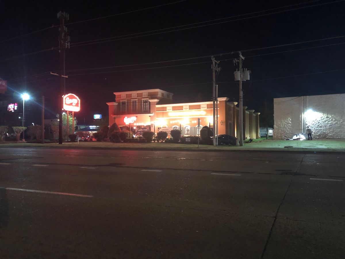 Driver strikes major gas line near busy intersection in south Shreveport