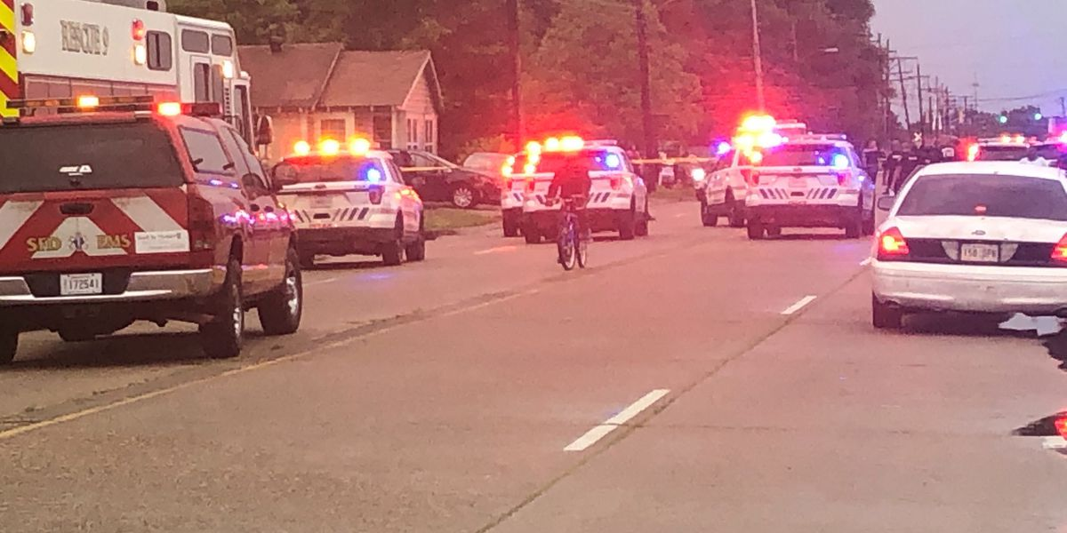 Drive-by shooting wounds 3, sends 2 to hospital