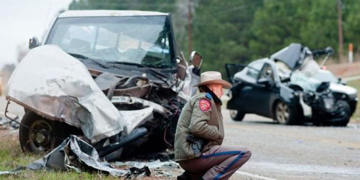 2-vehicle collision kills woman, infant son; seriously hurts man