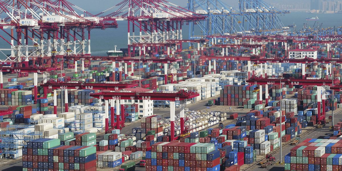 China's exports to US tick up as traders try to beat tariffs
