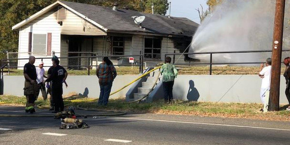 Fire completely destroys Shreveport house
