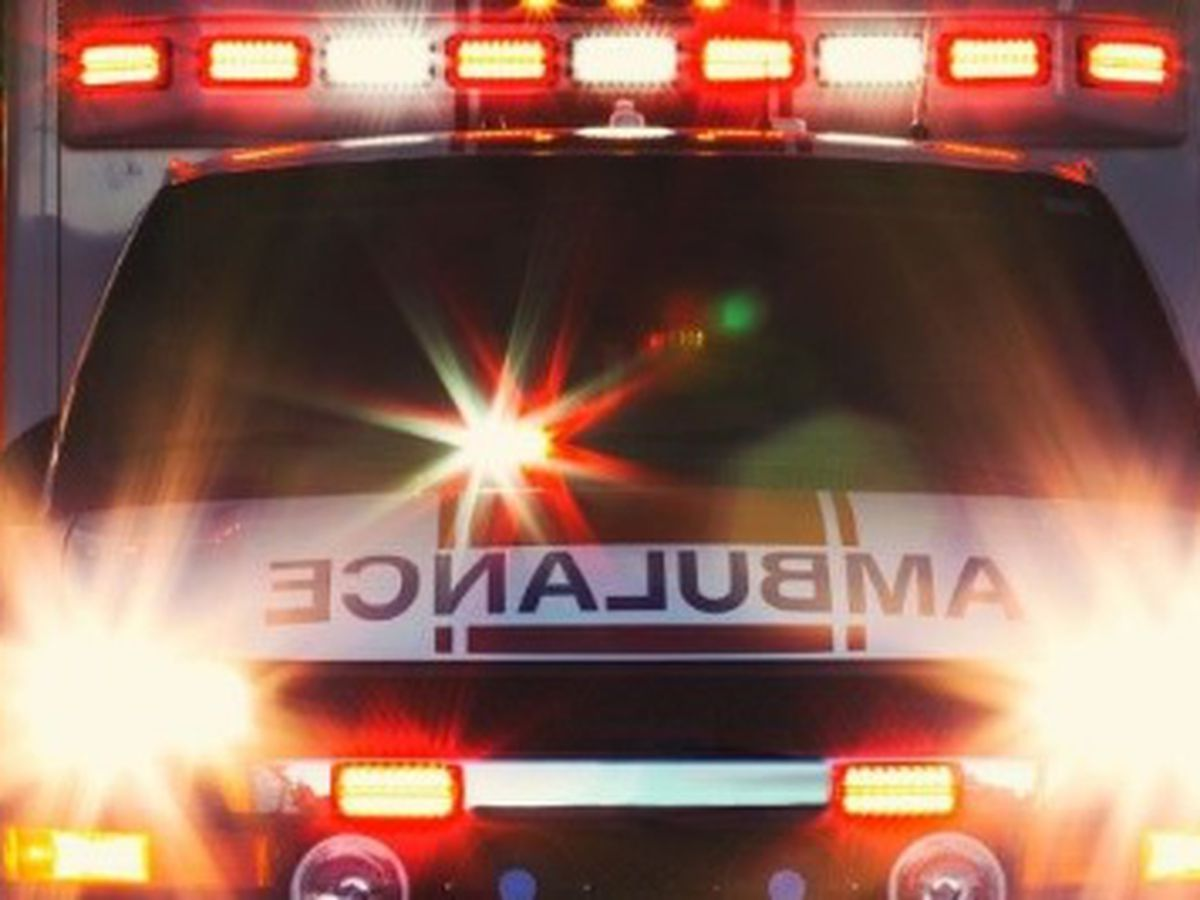 1 dead, 1 injured in early morning crash