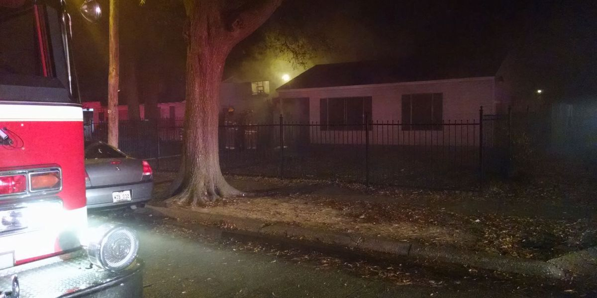 Shreveport house fire displaces family of 7
