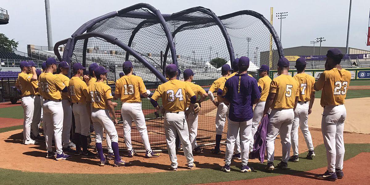 LSU baseball holds open practice before Baton Rouge Regional