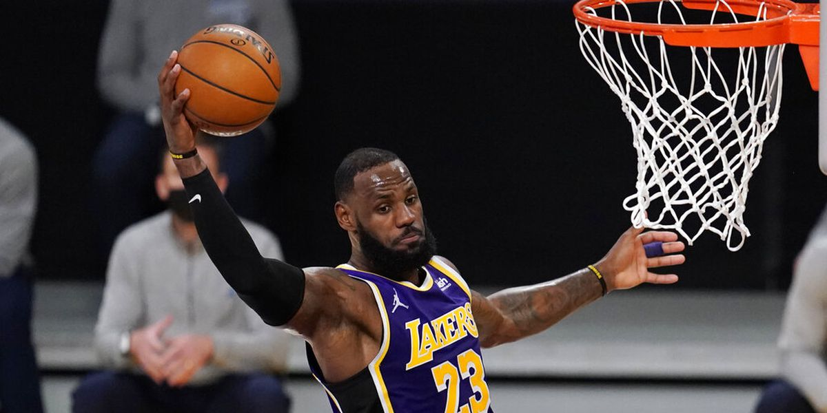 Ohio bar owner refuses to play NBA games until LeBron James is 'expelled' from league