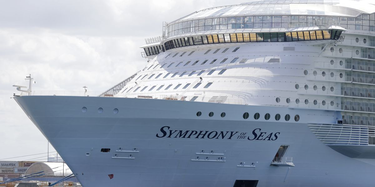 CDC sets rules for trial cruises with volunteer passengers