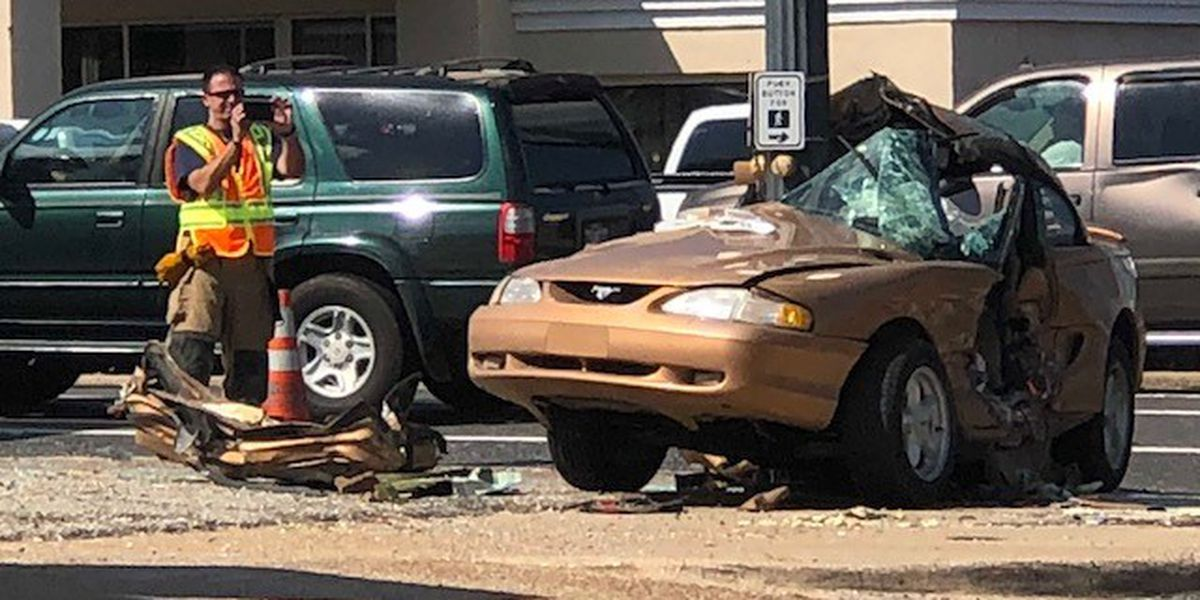 Traffic accident in downtown Shreveport leaves two injured