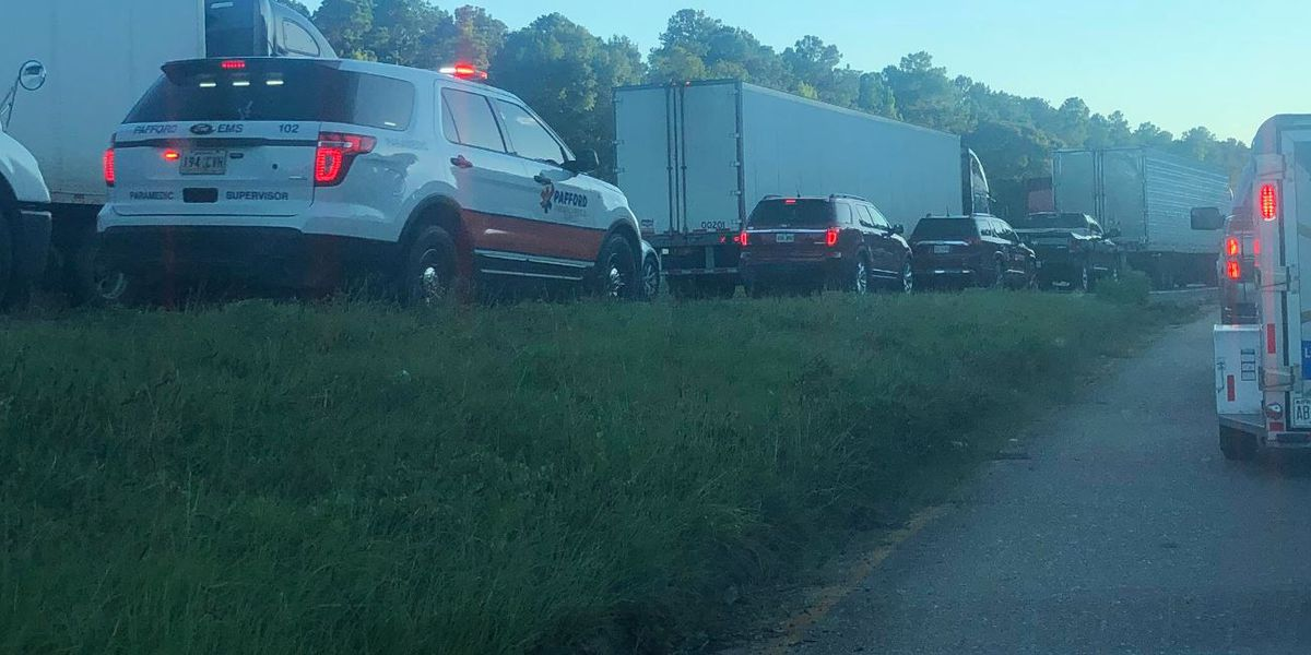 1 person flown to hospital after wreck on I-20