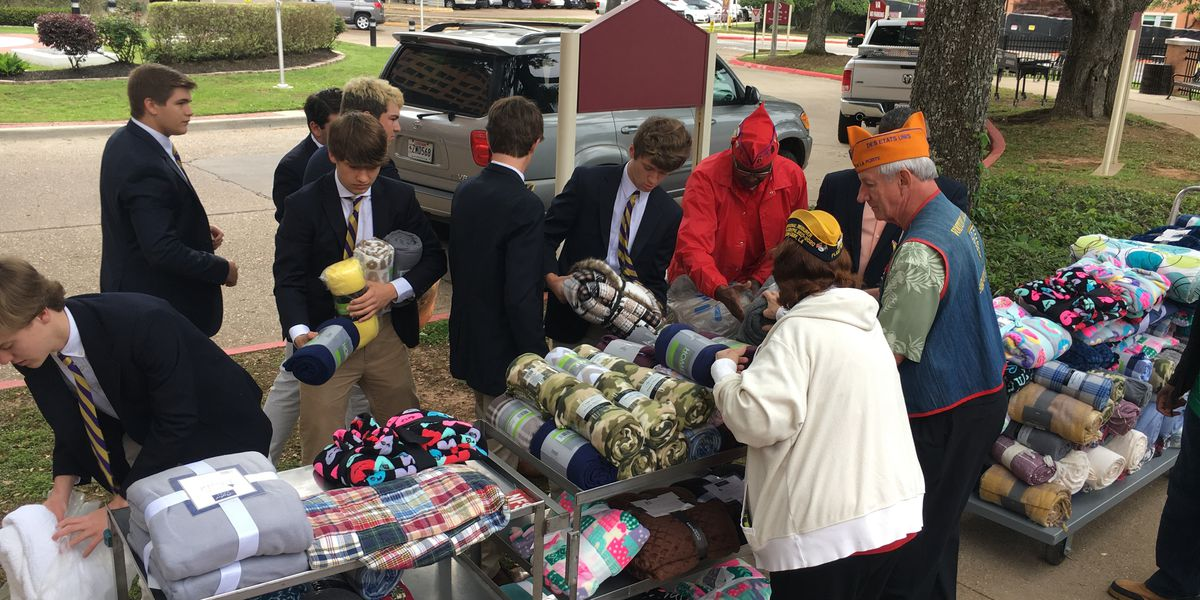 Byrd students donate blankets to OBVAMC